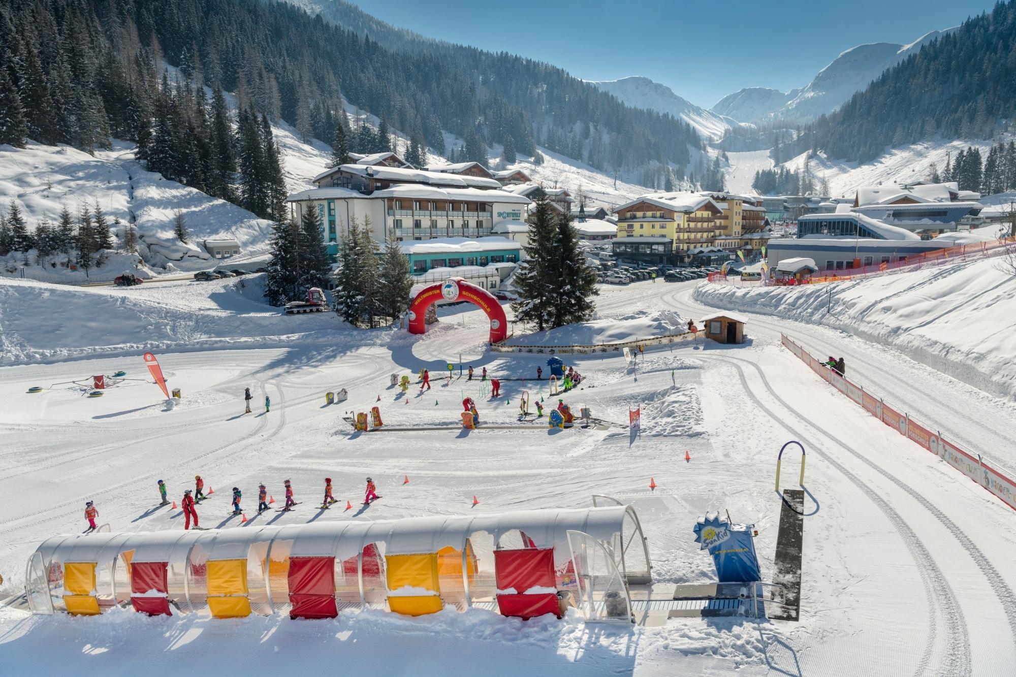 Skigebiet Zauchensee mit Kinder-Ski-Paradies im Tal