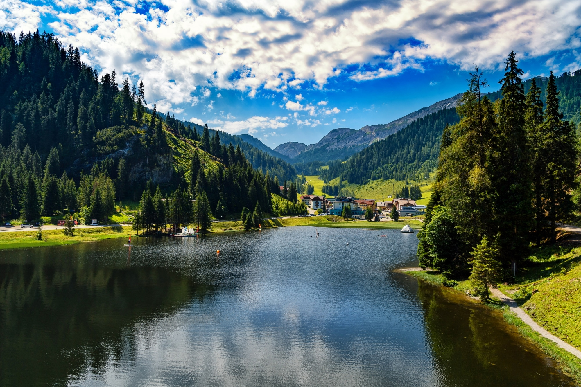 Blick auf den Zauchensee im Sommer