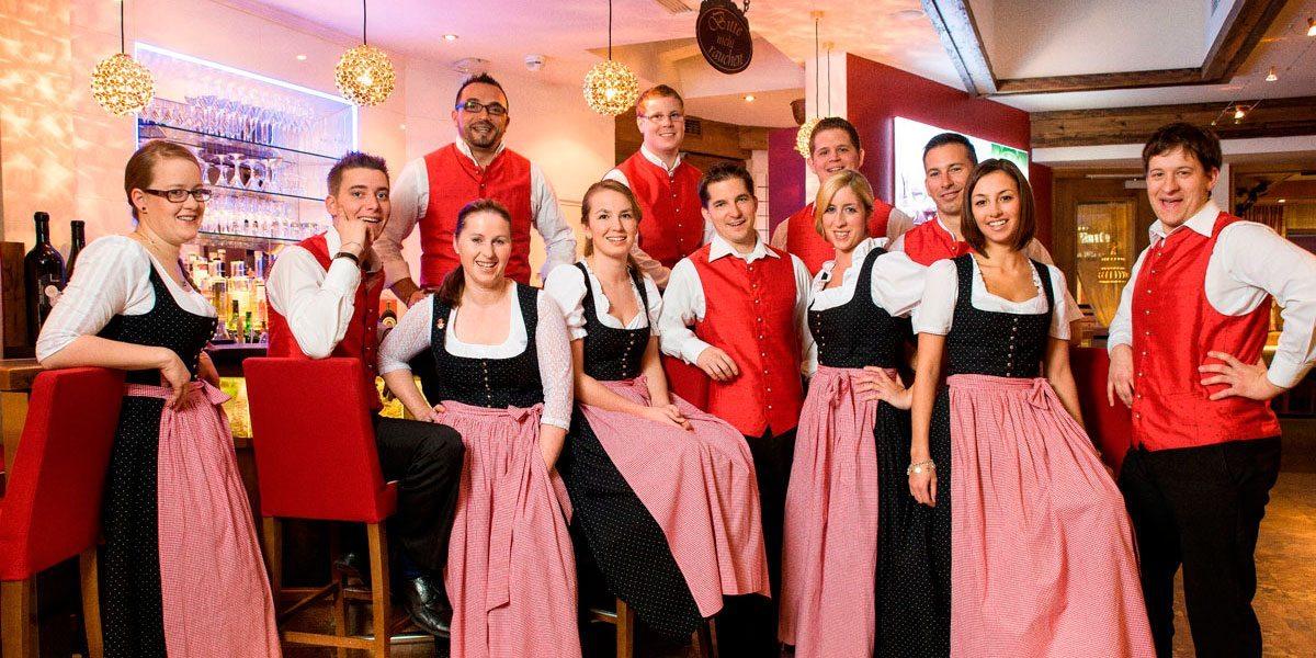 Service-Team im Hotel Zauchenseehof