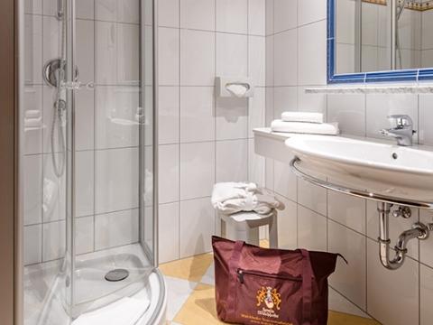Badezimmer im Hotel Zauchenseehof