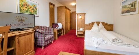 Geräumiges Einzelzimmer im Hotel Zauchenseehof