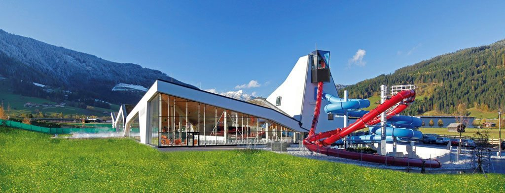 Therme Amade im Sommer