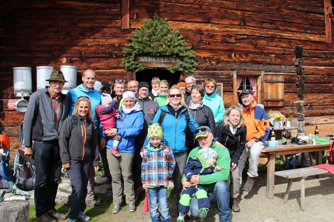 Gruppenwanderung in Zauchensee