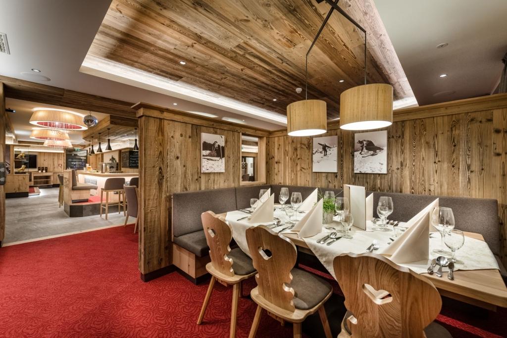Stilvoller Essbereich im Restaurant Zauchensee