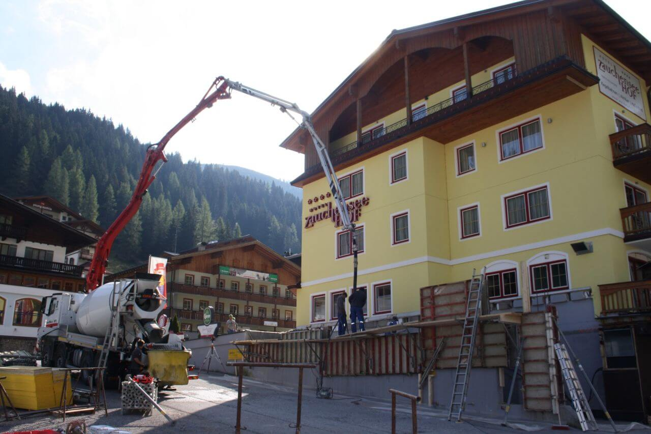 Hotel Zauchenseehof beim Zubau des Wellness-Bereichs