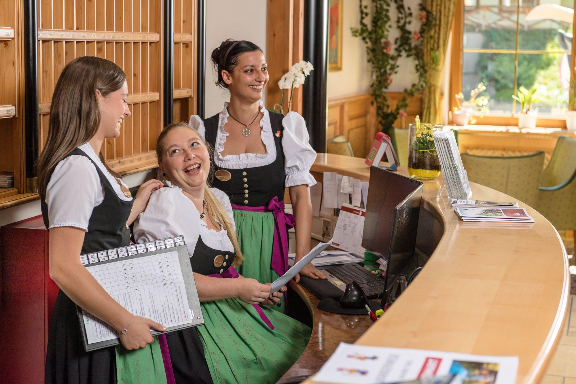Anfrage Hotel Rezeption Urlaub Zauchensee